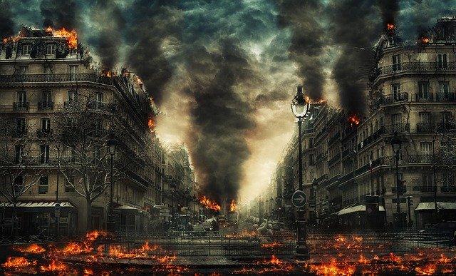 Že je Praha v plamenech se hodí vědět dřív, než do ní přijedete