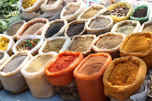 Indické koření v pytlích
