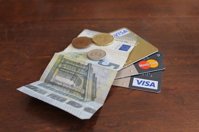 peníze a karty